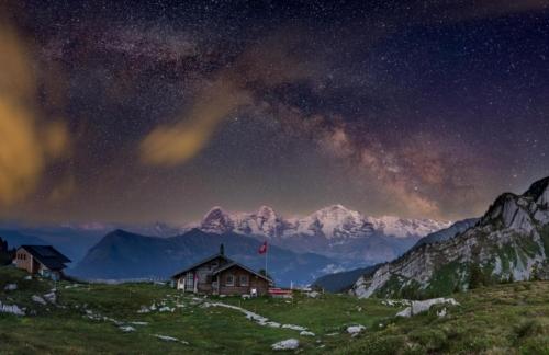 Switzerland_MilkyWayPano_OberlandLobhornhutte